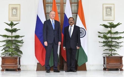 रूस के सुरक्षा सलाहकार भारत दौरे पर हैं। आज दिल्ली में उनकी अजित डोभाल के साथ चर्चा हुई है।