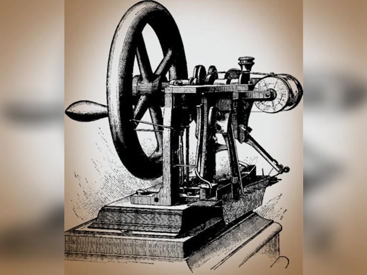 कुछ इस तरह दिखती थी एलायस होवे की बनाई सिलाई मशीन।