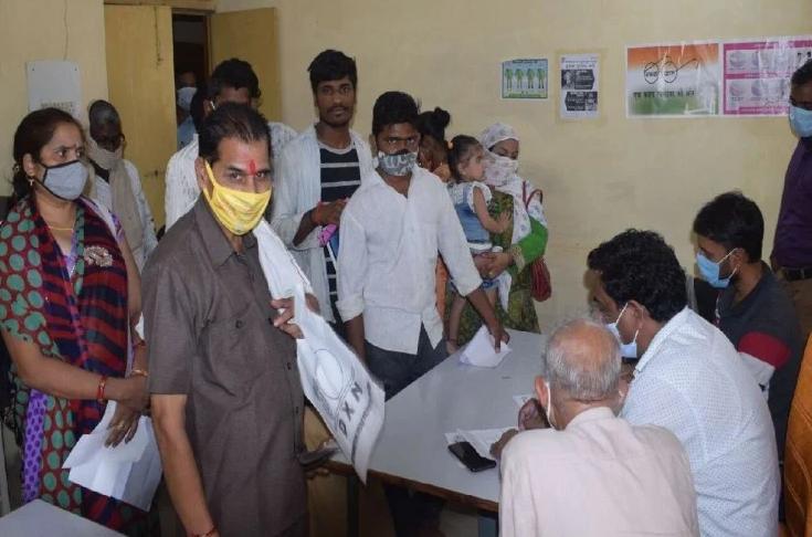 बुखार से पीड़ित दो युवकों की इलाज के दौरान मौत, परिजनों ने लगाया लापरवाही का आरोप मैनपुरी,Mainpuri - Dainik Bhaskar