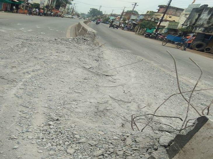 रास्ता बनाने के लिए तोड़ दिया सड़क का डिवाइडर, PWD विभाग अब अस्पताल प्रबंधन के खिलाफ दर्ज कराएगा FIR बिलासपुर,Bilaspur - Dainik Bhaskar