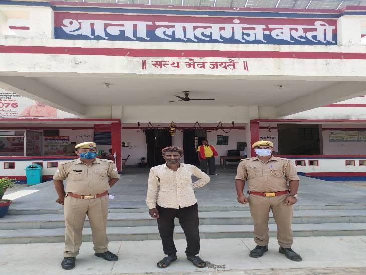 अभियुक्त के पास से गौकशी का हथियार भी बरामद, महीने में दूसरी बार पुलिस को मिली सफलता बस्ती,Basti - Dainik Bhaskar