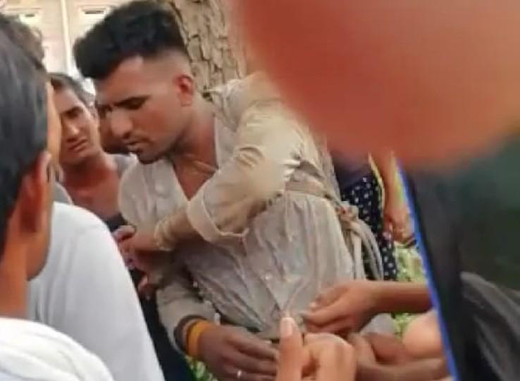 सोने-चांदी के जेवर चोरी कर भाग रहा था, ग्रामीणों ने कर दी पिटाई; चोर ने 20 से ज्यादा लोगों के खिलाफ दर्ज कराया मारपीट का केस नागौर,Nagaur - Dainik Bhaskar