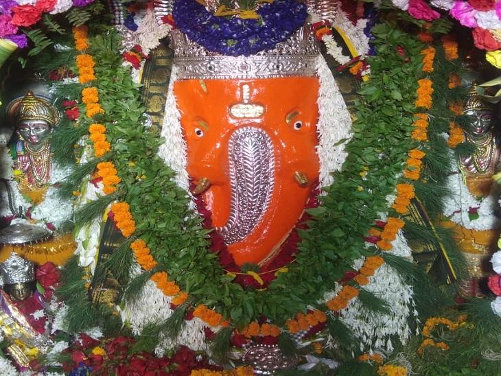 वाराणसी में घर-घर विराज रहे विघ्नहर्ता, अनंत चतुर्दशी तक 9 दिन शुभ योग; देवालयों में पूजापाठ के लिए उमड़े श्रद्धालु|वाराणसी,Varanasi - Dainik Bhaskar