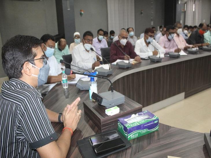 CM के संभावित दौरे को लेकर स्वास्थ्य विभाग व बिजली विभाग की समीक्षा, जन-समस्याओं के निस्तारण का दिया निर्देश|आजमगढ़,Azamgarh - Dainik Bhaskar