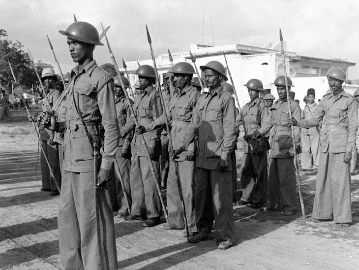 हैदराबाद में रजाकारों ने अपनी अलग सेना तैयार कर ली थी।
