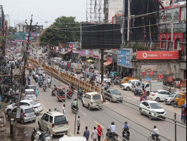 11.86 करोड़ से खत्म होगा तारों का जंजाल, एल्टी लाइन हटाकर अंडरग्राउंड केबल बिछाने की तैयारी|गोरखपुर,Gorakhpur - Dainik Bhaskar