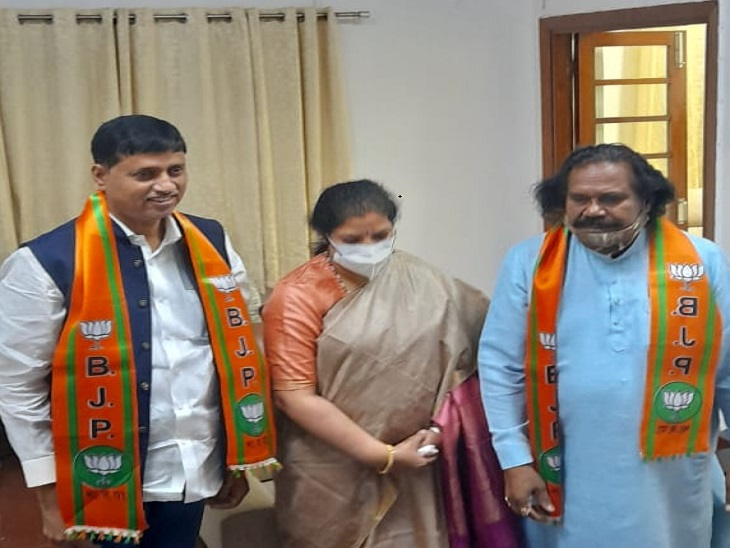 वेदराम समेत 11 कांग्रेसियों ने थामा BJP का दामन, डी. पुरंदेश्वरीने दिल्ली में दिलाई सदस्यता; नशामुक्त आंदोलन के प्रभारी बनाए गए|छत्तीसगढ़,Chhattisgarh - Dainik Bhaskar