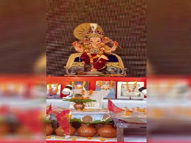 कटनी में श्री विघ्न विनाशक गणेश मंदिर समिति की ओर से 1977 से भगवान गणेश जी स्थापना की जा रही है। त्रिलोकी नाथ अग्रवाल ने शुरुआत की गई थी। जो अब तक जारी है।