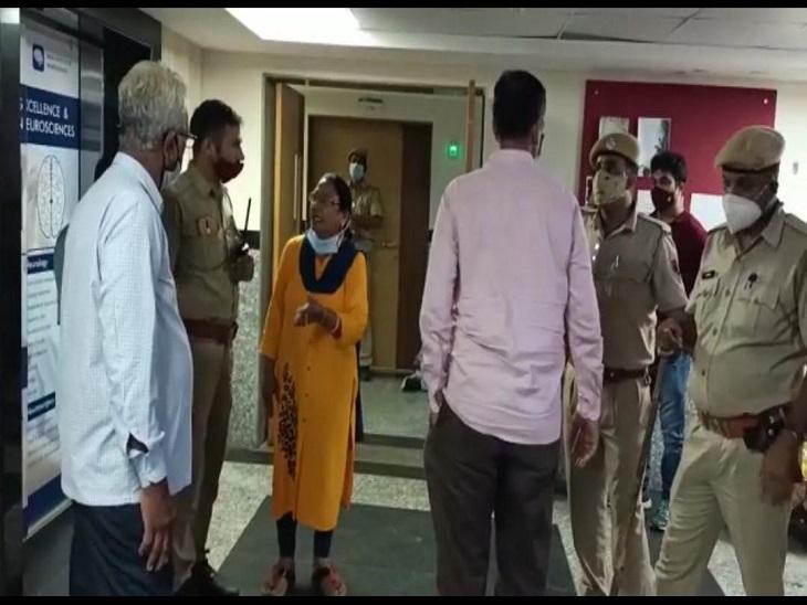 पहले अस्पताल में पुलिस बुलाई, फिर बोले- आपका मरीज मर गया है, ले जाओ|उदयपुर,Udaipur - Dainik Bhaskar