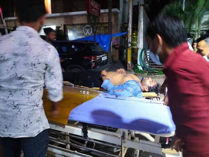 साई धरम तेज बाइक एक्सिडेंट में गंभीर रूप से घायल, अस्पताल में भर्ती; एक्टर के कॉलरबोन में हुआ फ्रैक्चर|बॉलीवुड,Bollywood - Dainik Bhaskar