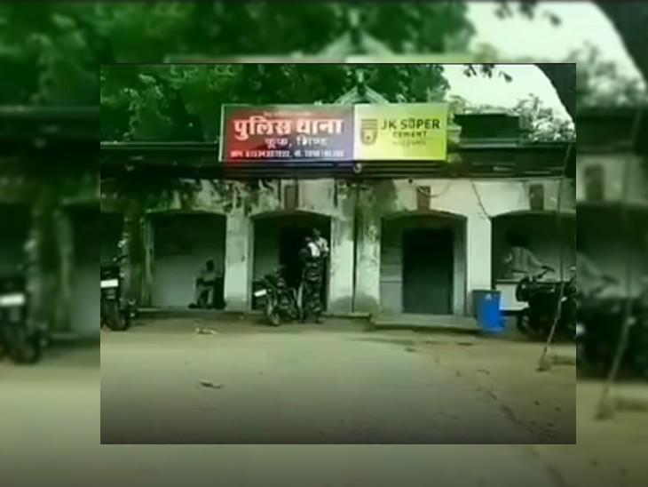 पत्नी की हत्या के बाद बेटे को फोन पर जान से मारने की दे रहा था धमकी, पुलिस के सामने फूट-फूट कर रोया, बोला- मैं बर्बाद हो गया|भिंड,Bhind - Dainik Bhaskar