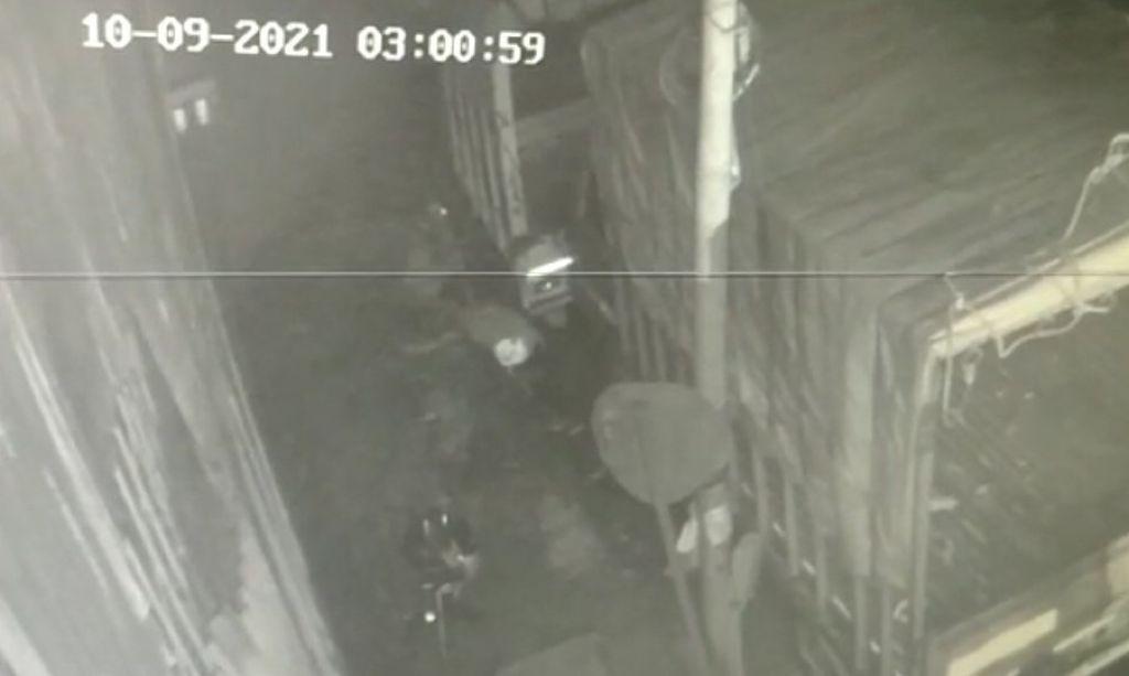 वारदात की यह धुंधली तस्वीर मौके पर लगे CCTV कैमरे में कैद हुई थी। इसी के आधार पर आरोपी को पुलिस ने पकड़ा है।