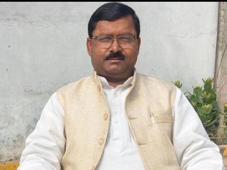 प्राथमिक शिक्षक संघ ने DM को दिया नोटिस, स्कूल बंद करके BRC पर धरना देंगे टीचर मुरादाबाद,Moradabad - Dainik Bhaskar