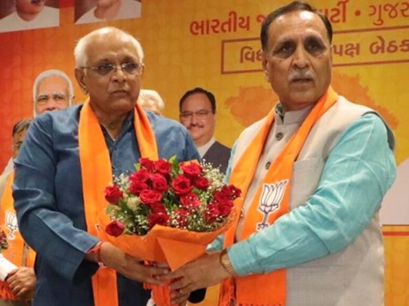 घाटलोडिया विधानसभा क्षेत्र से विधायक भूपेंद्र पटेल राज्य के नए मुख्यमंत्री बने भूपेंद्र पटेल, विजय रूपाणी के साथ। - Dainik Bhaskar