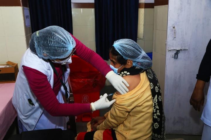 राजस्थान में 5.14 करोड़ लोगों को लगेगा टीका; वैक्सीन लगाने में सीकर सबसे आगे, भरतपुर सबसे पीछे|जयपुर,Jaipur - Dainik Bhaskar