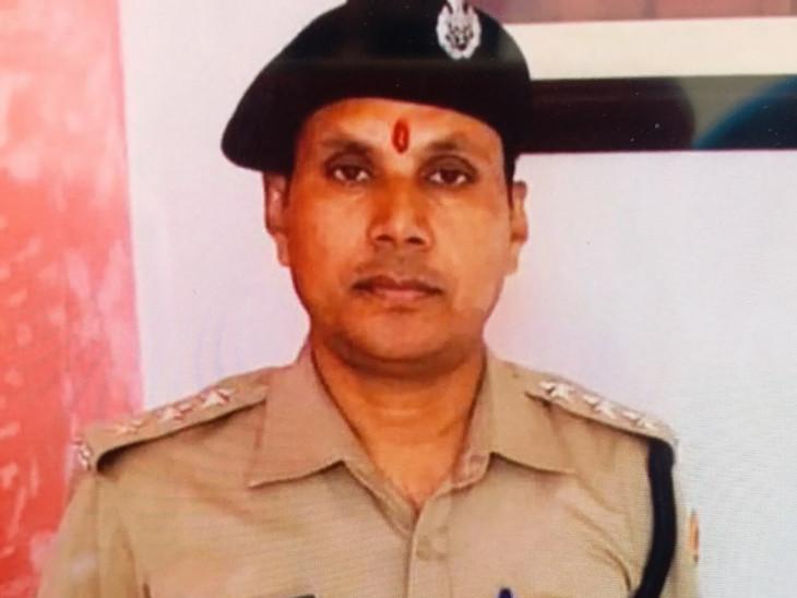 निलंबित आरपीएस कैलाश बोहरा को आपत्तिजनक स्थिति में गिरफ्तार किया गया था।