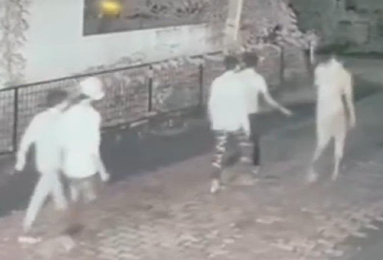 सीसीटीवी कैमरे में कैद हुई बदमाशों की तस्वीर।