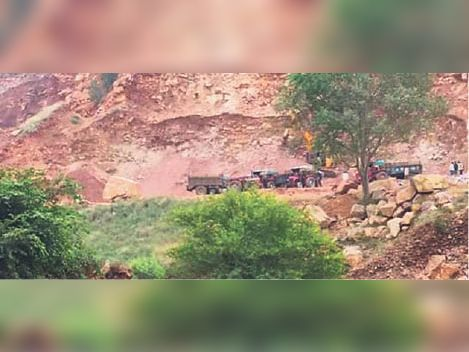 टोडाभीम  उपखंड क्षेत्र में धड़ल्ले से हो रहा अवैध खनन व मोरम, गिट्टियों व पत्थरों का परिवहन। - Dainik Bhaskar