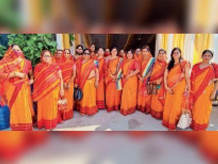 सवाई माधोपुर  नौ दिवसीय पर्युषण महापर्व के अंतिम दिन क्षमा दिवस के अवसर पर मौजूद महिलाएं। - Dainik Bhaskar