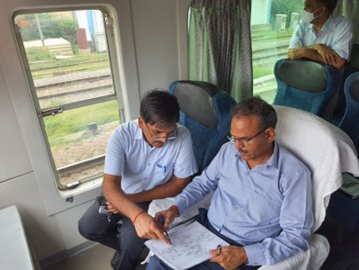महाप्रबंधक ने चिकित्सालय का दौरा कर मरीजों से लिया फीडबैक, माल भाड़ा बढाये जाने पर दिया जोर, विकास कार्यो की समीक्षा की कानपुर,Kanpur - Dainik Bhaskar
