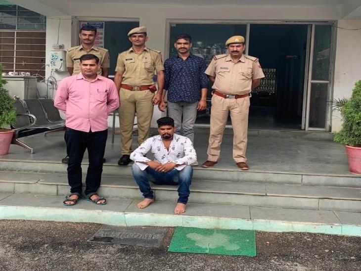 बढ़ती लूट की वारदातों के बाद पुलिस ने रखी नजर, तलवार के साथ धमकाता दिखा युवक, एक महीने में कई वारदाते आ चुकी सामने उदयपुर,Udaipur - Dainik Bhaskar