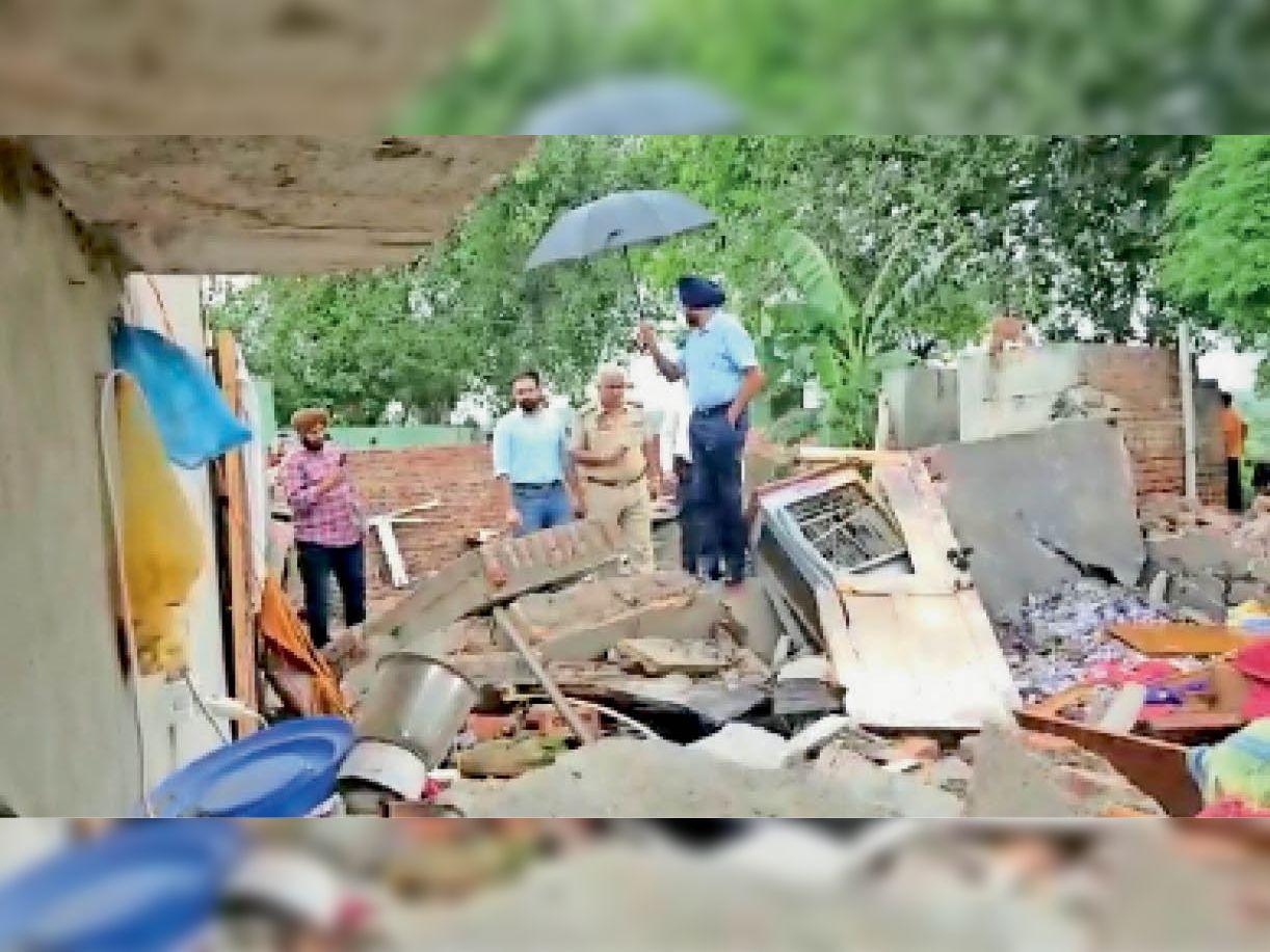 घर में रखे थे अवैध पटाखे, अचानक ब्लाॅस्ट हाेने से भाई-बहन की माैत, पिता पर केस दर्ज|पटियाला,Patiala - Dainik Bhaskar