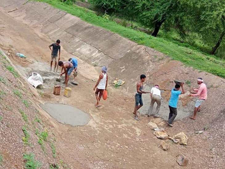मुख्यमंत्री ने बताया सिपकोना नहर से अब 22 की जगह 21 गांवों को सिंचाई सुविधा मिल पाएगी।