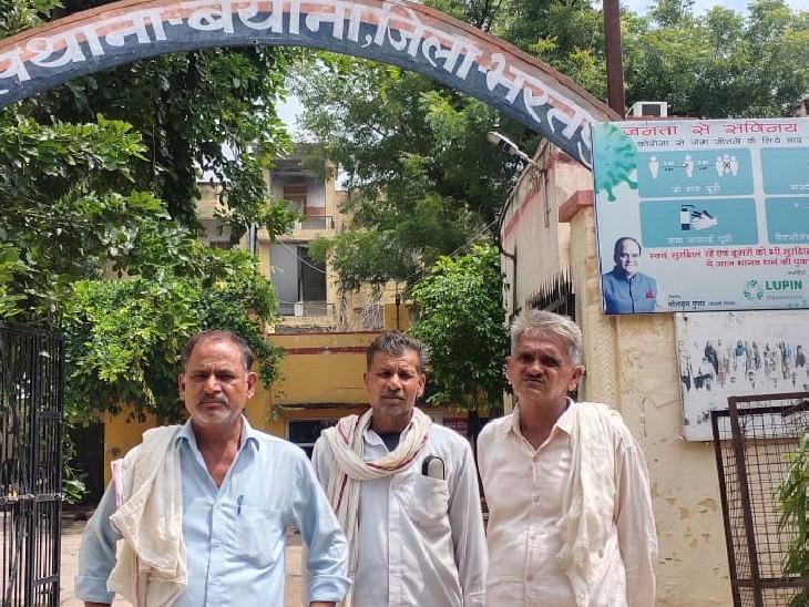 चोरी का मामला दर्ज करवाने आये परिवादी - Dainik Bhaskar