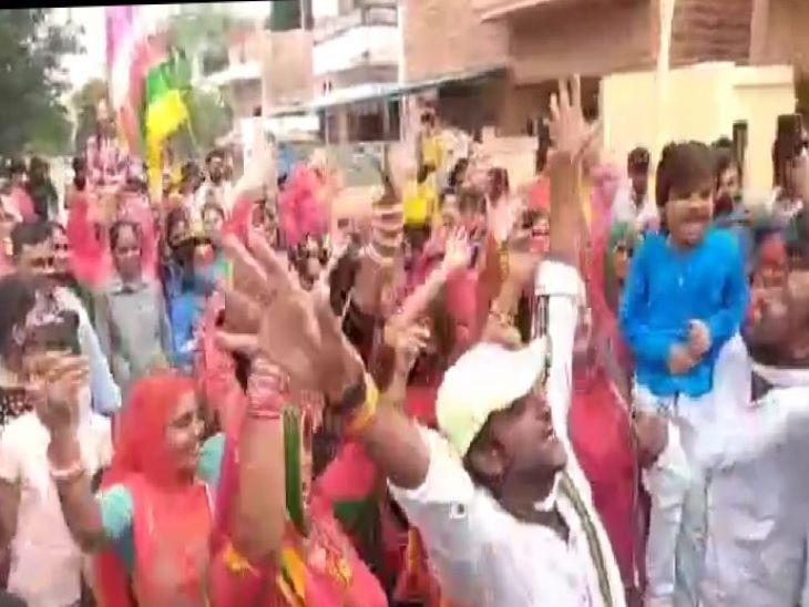 भगत की काेठी में शोभायात्रा का आयोजन। - Dainik Bhaskar