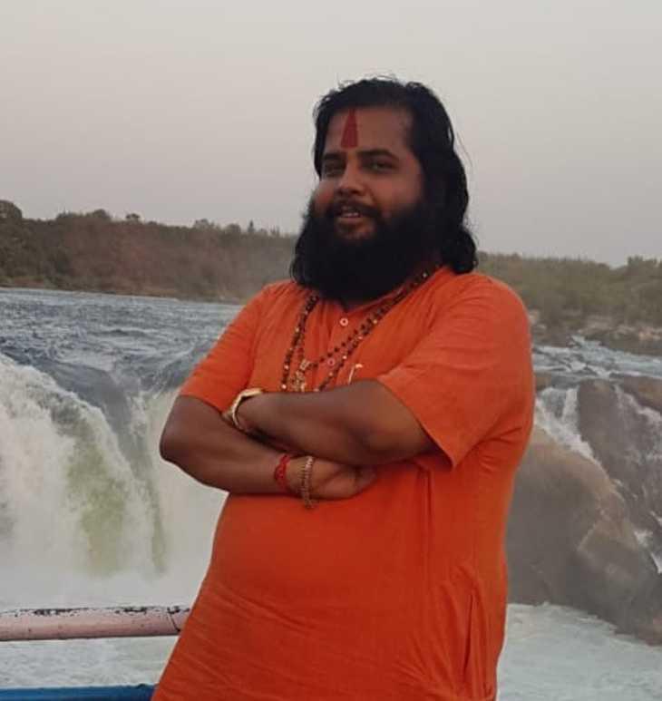 राधे राधे बाबा - Dainik Bhaskar