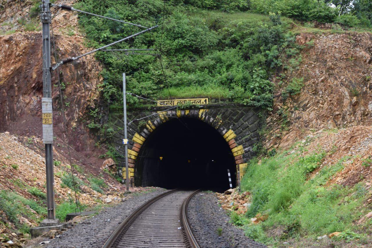 1870 में मुंबई-कलकत्ता रेलवे मार्ग को जोड़ने अंग्रेजों ने बनाई थी सुरंग व पुल, 150 साल हुए पुरे|होशंगाबाद,Hoshangabad - Dainik Bhaskar