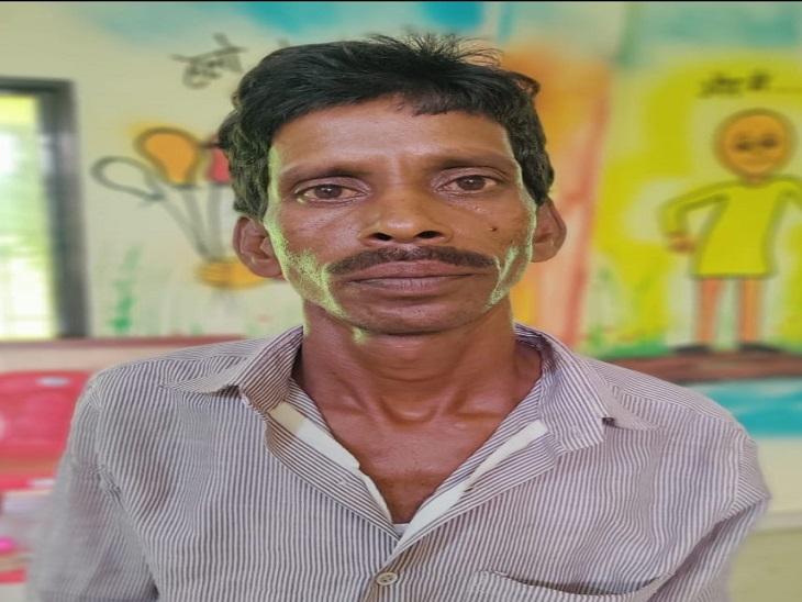 जुड़वा होने का फायदा उठाकर 9 साल तक बचता रहा ठग, आरोपी की सूचना पर पुलिस पहुंचती तो मिलता था भाई|छत्तीसगढ़,Chhattisgarh - Dainik Bhaskar