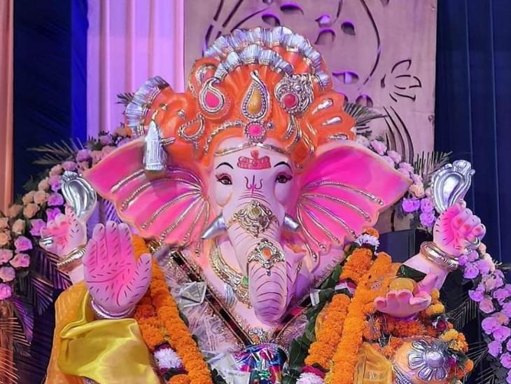 लुधियाना में गणेश चतुर्थी के समागम में यहां 20 फीट रोड पर बीस फीट के गणपति बाबा विराजमान हैं। - Dainik Bhaskar