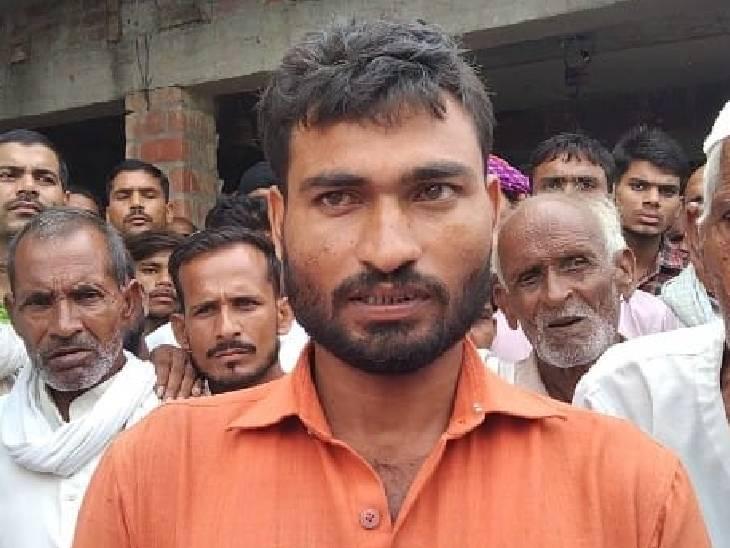 पुलिस गिरफ्त में हत्यारोपी योगेश ने कबूल किया गुनाह। पुलिस ने उसे जेल भेज दिया है।