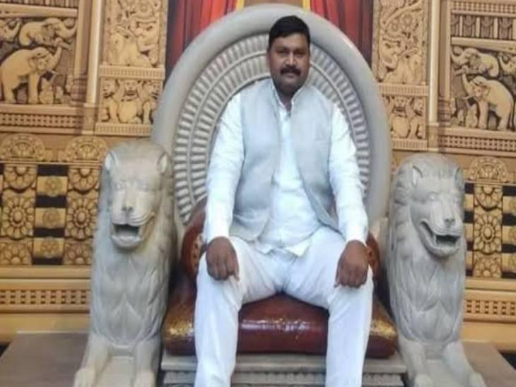 भीम राजभर के माध्यम से राजभर वोट साधने की राजनीति - Dainik Bhaskar
