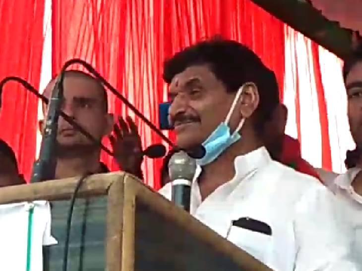 फर्रुखाबाद पहुंचे शिवपाल याद� - Dainik Bhaskar