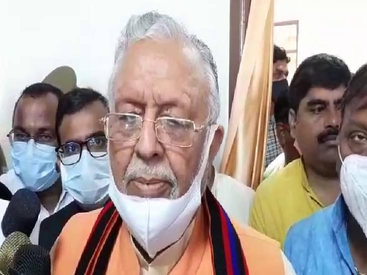 कहा-डेंगू को लेकर सरकार पूरी तरह सतर्क, असदुद्दीन ओवैसी को लेकर विपक्ष के आरोपों पर कहा- संविधान में सबको बोलने का अधिकार|एटा,Etah - Dainik Bhaskar