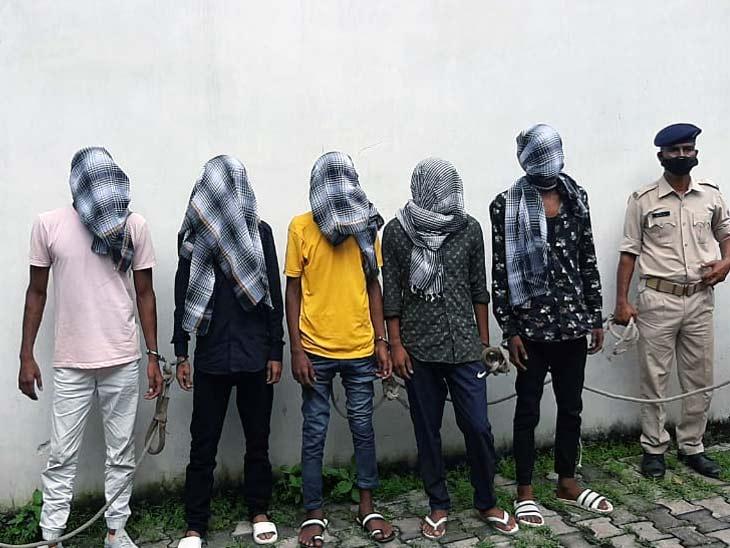 सरकारी जमीन पर कब्जे को लेकर बागबेड़ा में विहिप नेता पर हुई थी फायरिंग, 5 अपराधी गिरफ्तार; मुख्य आरोपी दोनों भाई अब भी फरार|झारखंड,Jharkhand - Dainik Bhaskar