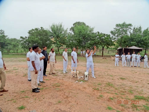 बलवा नियंत्रण, पत्थरबाजाें से निपटने का किया अभ्यास; दाैड़ करवा अधिकारी-कर्मचारियाें की फिटनेस फाइल तैयार की राजसमंद,Rajsamand - Dainik Bhaskar