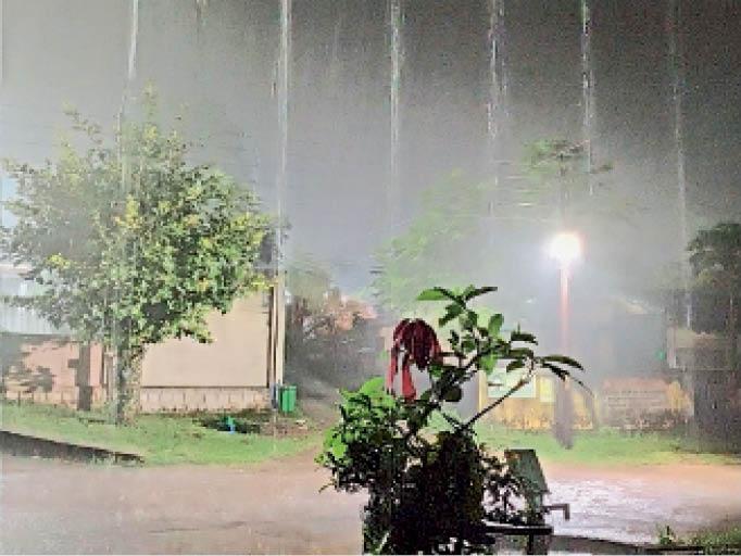 रविवार की शाम को हुई बारिश का नजारा। - Dainik Bhaskar