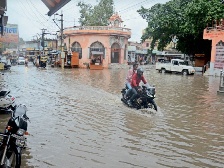 सीकर में सबसे ज्यादा 38 एमएम बारिश, जिले में 88 दिन के सीजन में 423.6 एमएम पानी गिरा, फिर भी औसत से कम|सीकर,Sikar - Dainik Bhaskar