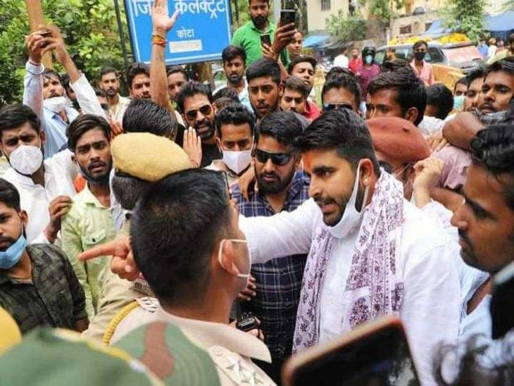 शहीद स्मारक से पैदल मार्च निकाल पहुंचेंगे विधानसभा, पूर्व छात्रसंघ अध्यक्ष रविंद्र सिंह भाटी भी रहेंगे मौजूद|जयपुर,Jaipur - Dainik Bhaskar