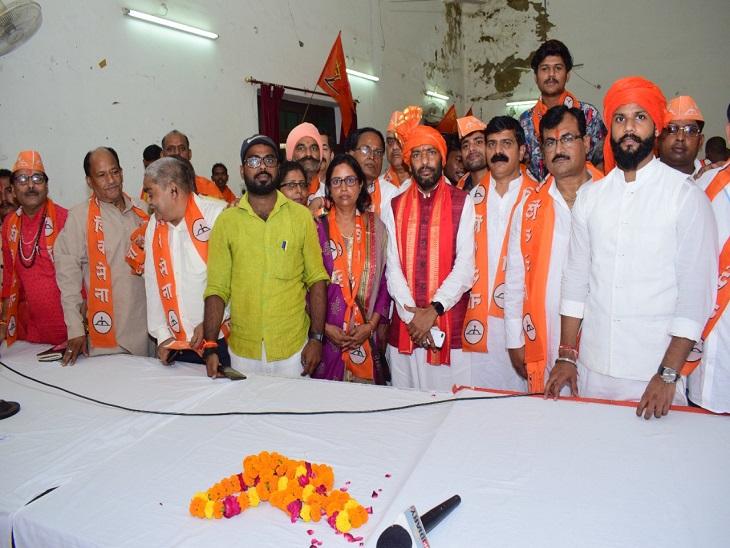 सांसद संजय राउत बोले- UP में 100 और गोवा में 20 सीटों पर उतारेंगे उम्मीदवार, सभी सीटों पर बने कोआर्डिनेटर|लखनऊ,Lucknow - Dainik Bhaskar