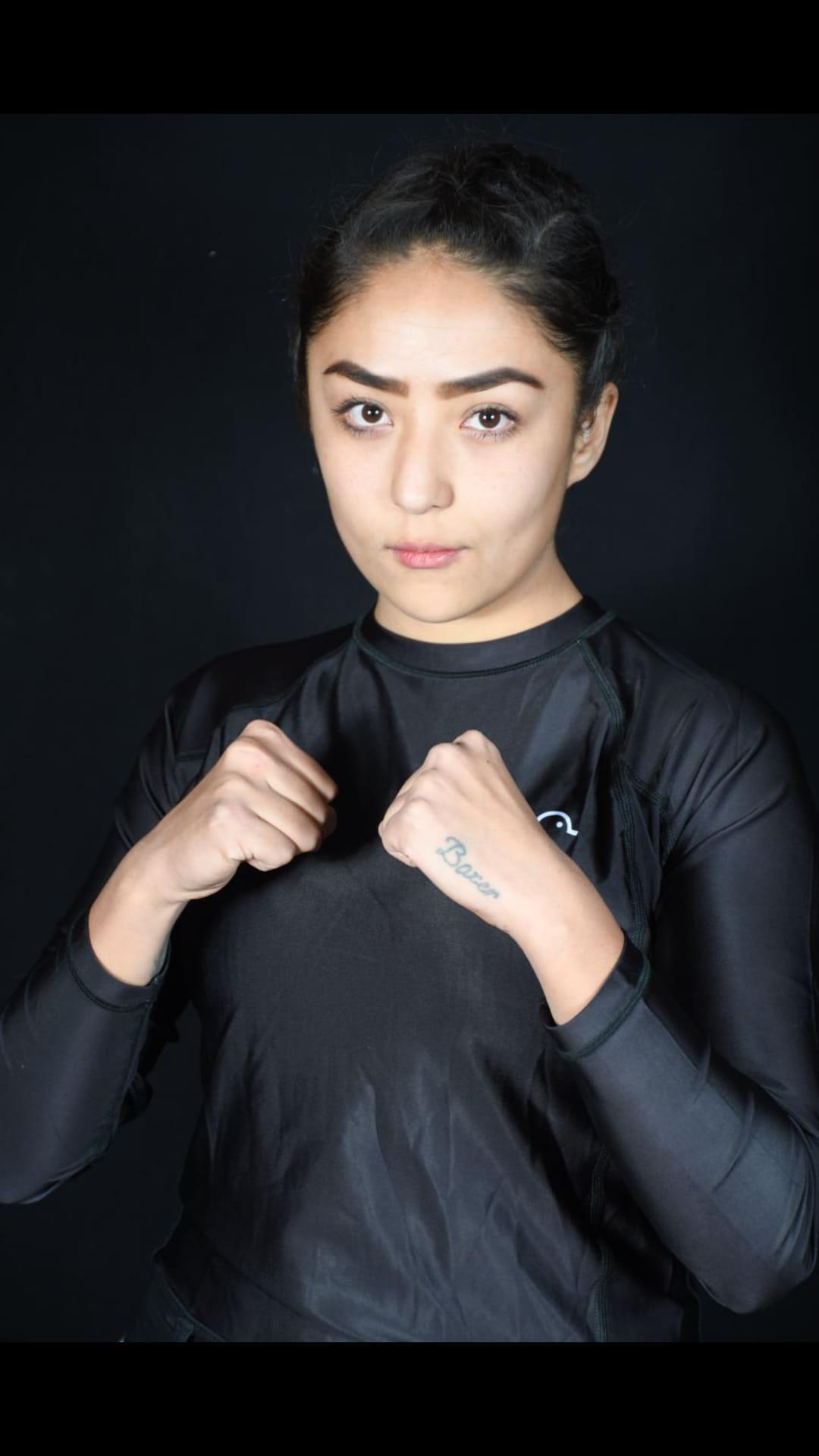 महिला बॉक्सर को पुरुष कोच की वजह से देश निकाला, काबुल यूनिवर्सिटी में सिर से पांव तक ढकी लड़कियां|वुमन,Women - Dainik Bhaskar