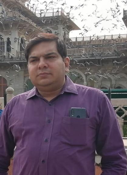 आगरा में यूनिसेफ के स्टेट डाटा मैनेजर पर दर्ज हुआ मुकदमा - Dainik Bhaskar