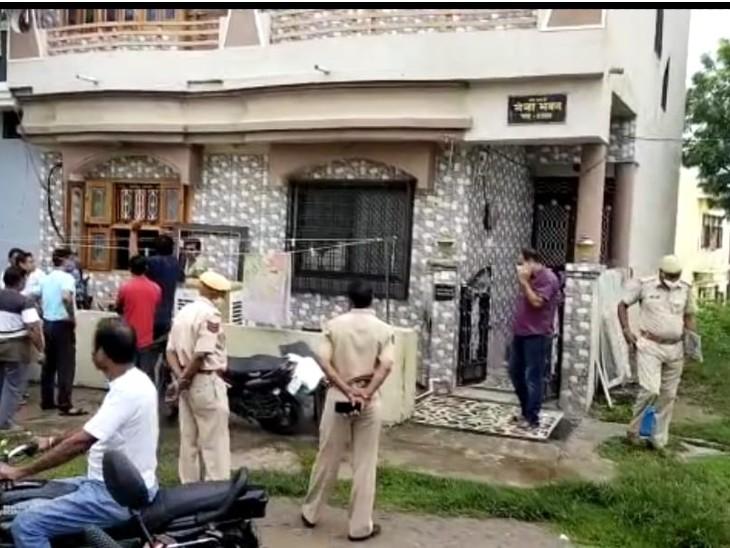 6 महीने पहले भी फंदे पर लटक गया था, परिवार ने बचा लिया था; पहली बार अकेला छोड़ा तोकी आत्महत्या|डूंगरपुर,Dungarpur - Dainik Bhaskar