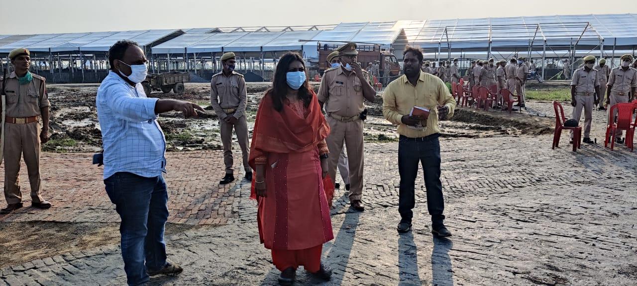 पीएम मोदी के 14 सितंबर के कार्यक्रम को देखते हुए कमिश्नर डीएम ने ली बैठक, अधिकारियों को दिए निर्देश|अलीगढ़,Aligarh - Dainik Bhaskar
