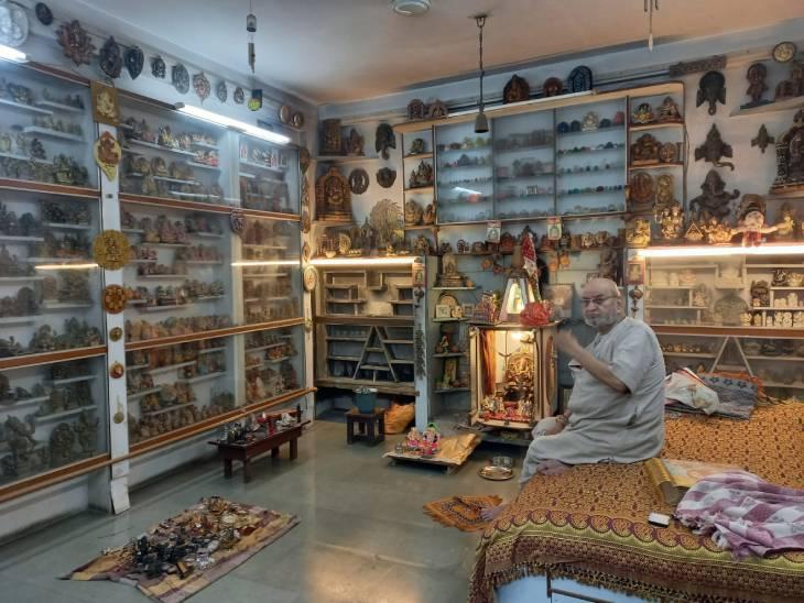 60 साल में इकट्ठा की 5 हजार मूर्तियां; घर ले आए और बना दिया उज्जैन में गणेश म्यूजियम|उज्जैन,Ujjain - Dainik Bhaskar