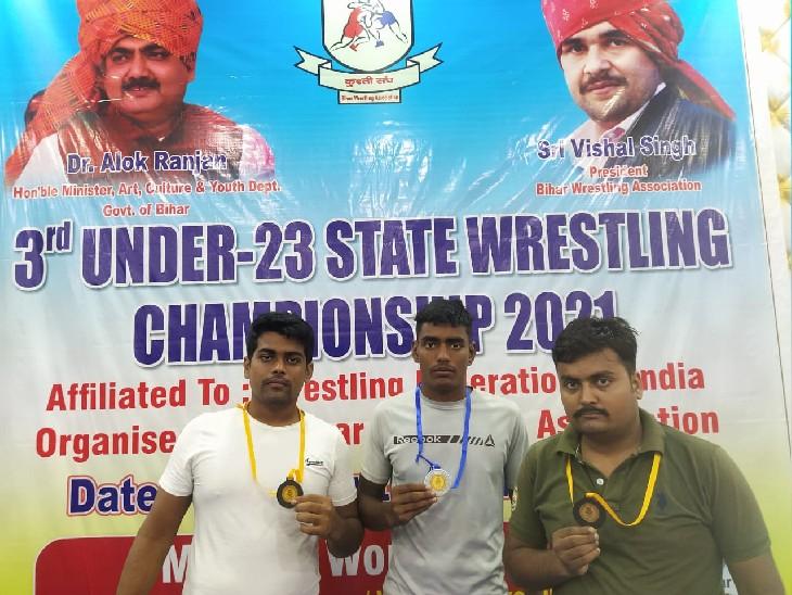 तीनों पहलवानों का प्रदर्शन सराहनीय रहा। - Dainik Bhaskar