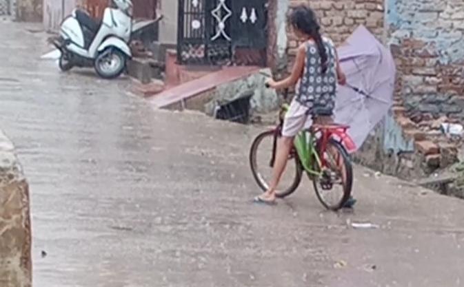 पूरे दिन छाए रहे बादल, दिन में हवा चलने से हुआ ठंडक का एहसास|श्रीगंंगानगर,Sriganganagar - Dainik Bhaskar